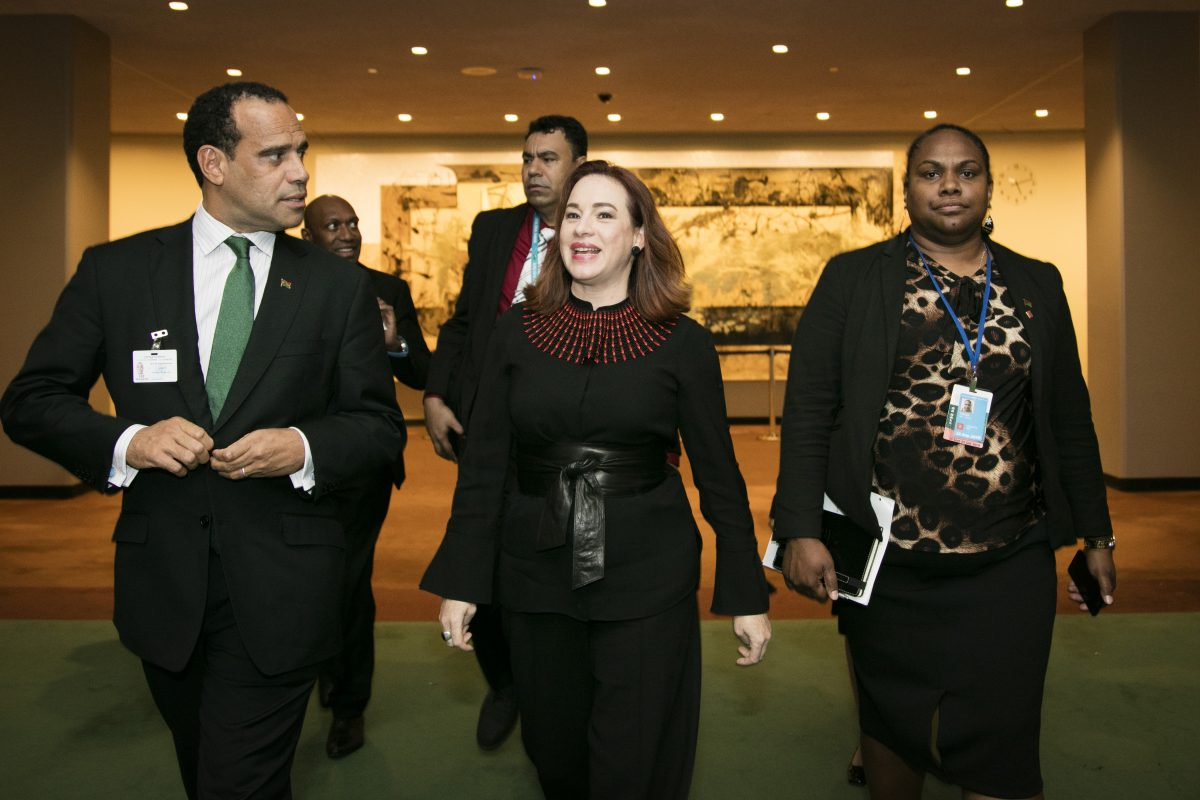 María Fernanda Espinosa Garcés, President of the seventy-third session of the General Assembly walks and talks with Mr. Ralph Regenvanu, Minister of Foreign Affairs and Trade of Vanuatu.